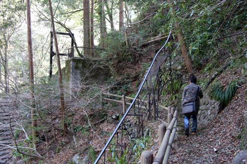 氷川小橋から歩いて2分ほどの距離