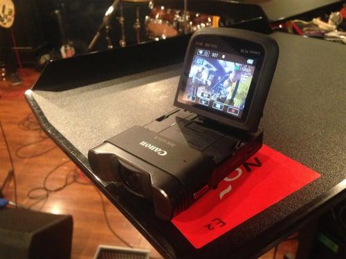 ステレオ高音質の録音が可能になったキヤノンのパーソナルビデオカメラ『iVIS mini X』 バンドのスタジオリハーサルを撮影して実力を検証してみた