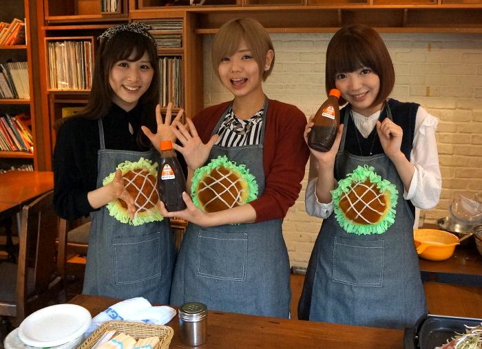 広島を愛する「まなみのりさ」がファンにお好み焼きをサービス!『日本お好み党決起集会』レポート | ガジェット通信 GetNews