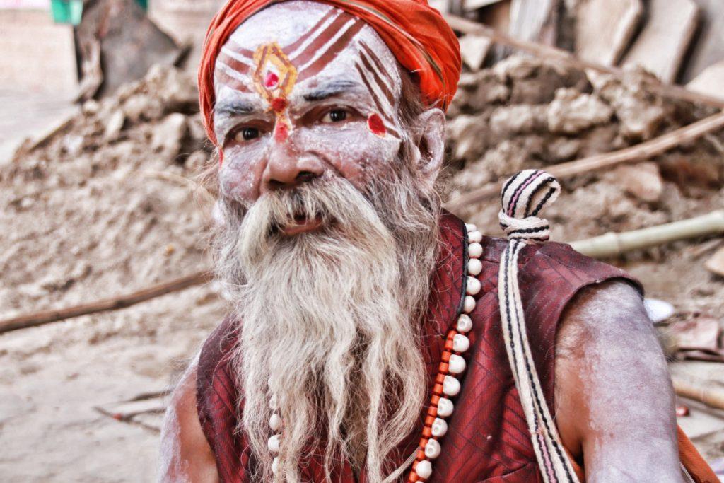 インドを放浪する修行僧サドゥー...