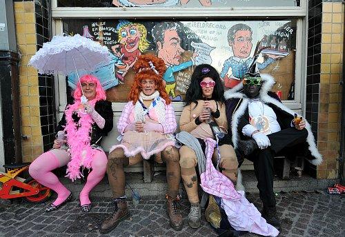 ベルギー アールストの世界無形文化遺産「女装祭り」