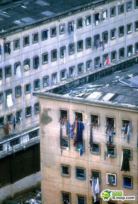ブラジルの刑務所外観