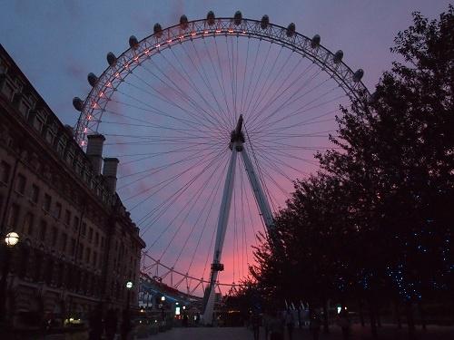 【ロンドンオリンピック】「今日のイギリスどうよ?」 ロンドンの大観覧車で『Twitter』の書き込みを反映するライトショーを毎晩開催