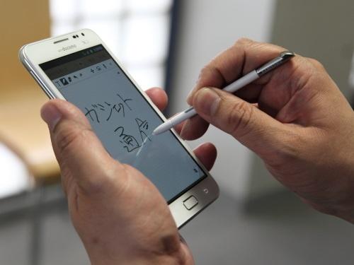 """5.3インチディスプレー+タッチペンでデジタル文具の使い心地 """"新カテゴリー""""スマートフォン『GALAXY Note』とは?"""