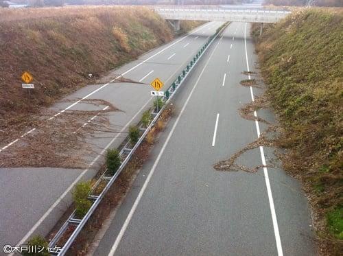 使われていない常磐自道車道/楢葉町(2011年秋撮影)