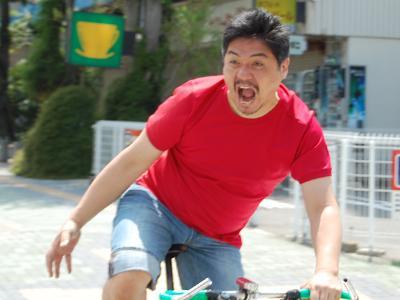 自転車で、自動車と接触事故を ...