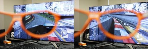 デュアルプレイモードでは、1画面に2人のプレイヤー用の画面を重ねて表示