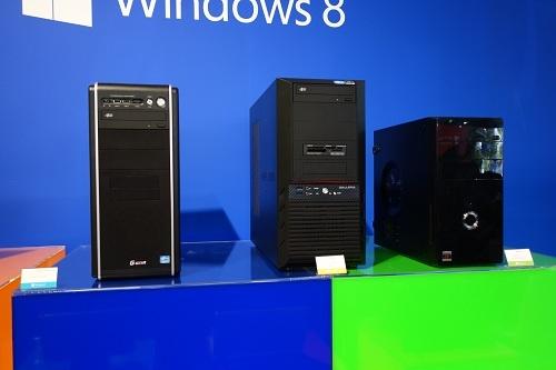 デスクトップは3製品。製品名は左から順に本文を参照